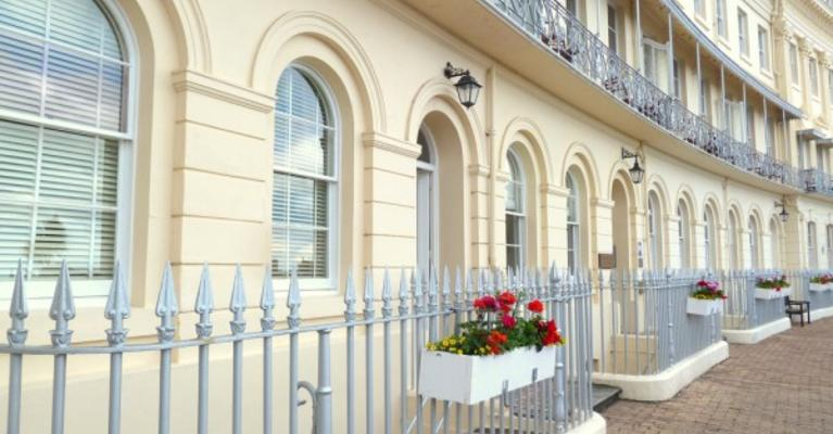 Hesketh Crescent Luxury Self Catering Holiday Apartment, Torquay