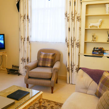 Hesketh Crescent Apartment - holiday accommodation in Torquay.
